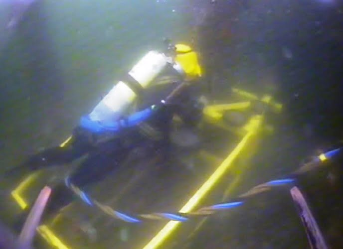 underwater diamond cutting rig